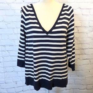 New York & Company navy & white open sleeve shirt